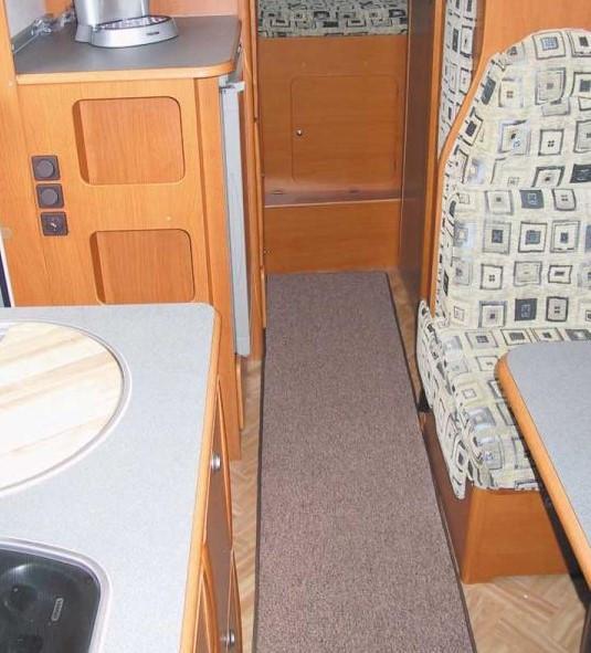 Wohnraumteppich 150 x 50 cm Wohnmobil Tischbereich