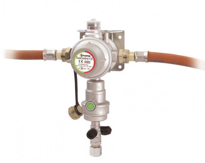 Gasdruckregler DuoControl CS 50 mbar vertikale Wandmontage