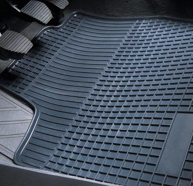 Passform Gummimatte Mercedes Sprinter ab 5/2006 und VW Crafter ab 5/2006