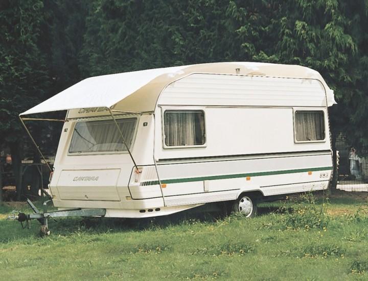 Tragbares Wohnwagen Schutzdach 600 x 250cm