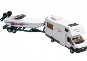 Reisemobil mit Bootsanhänger