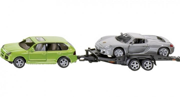 PKW mit Autoanhänger