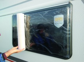 Hindermann Fensterschutzfolie für Wohnwagen