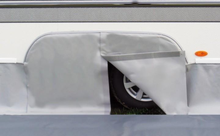 Radkastenabdeckung für Hobby Tandem-Wohnwagen, hellgrau