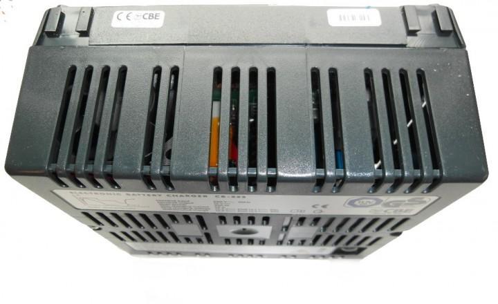 Automatik-Ladegerät CB 522 22A