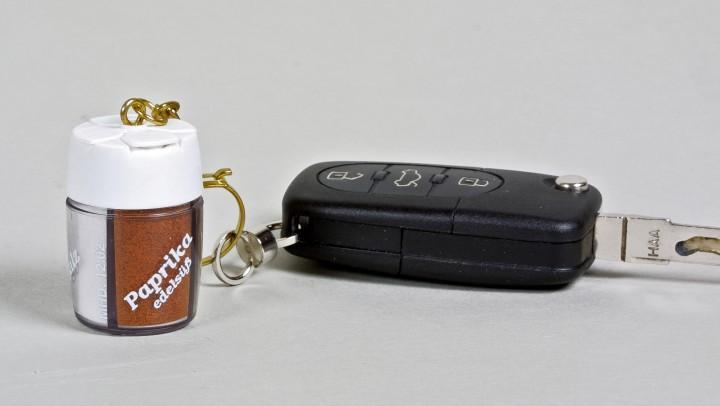 Relags Gewürzstreuer Mini 4 in 1 mit Schlüsselanhänger