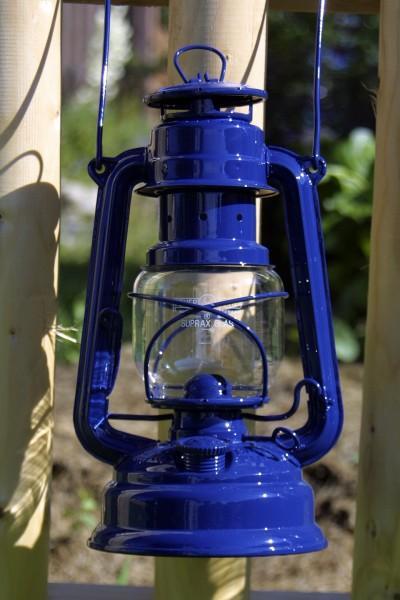 Feuerhand Sturmlaterne 'Eternity' blau