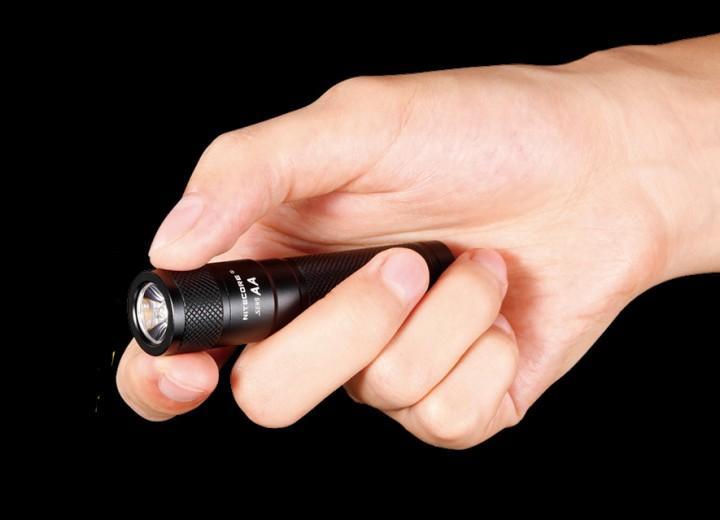 NiteCore LED Taschenlampe Sens AA